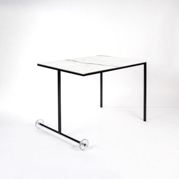 table ubiquiste 4